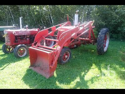 1952 FARMALL H Antique Tractor