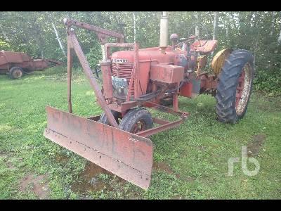 1944 FARMALL H Antique Tractor