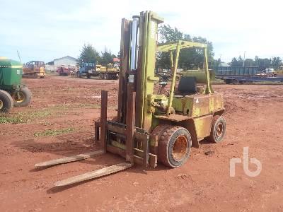 CLARK C500Y70 4900 Lb Forklift