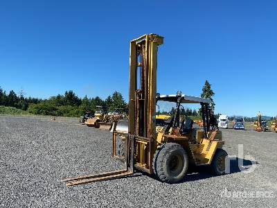 Cat R80 8000 lb 4x2 Rough Terrain Forklift