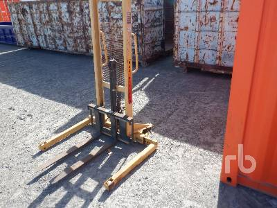 EP EQUIPMENT CO. MSA220 2204 Lb Stand Up Pallet Truck