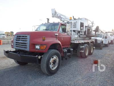 1997 FORD FT900 T/A Drill Truck