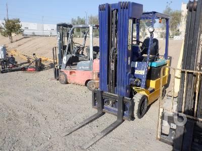 KOMATSU FB25SHG-5 3480 Lb Electric Forklift