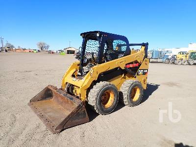 2017 CATERPILLAR 242D Skid Steer Loader