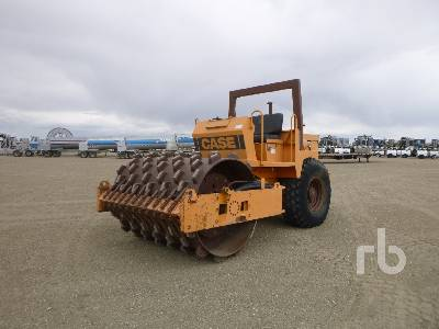 1987 CASE 1102PD Vibratory Padfoot Compactor