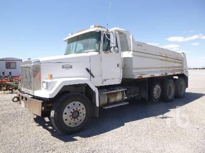 1996 VOLVO ACL Dump Truck (Tri/A)