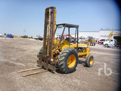 1980 JOHN DEERE 480BD 6000 Lb Rough Terrain Forklift