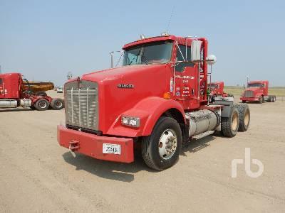 2013 KENWORTH T800B 6x4 Winch Tractor