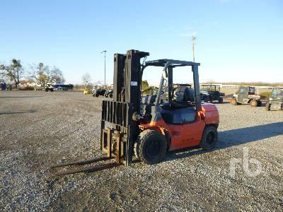 2010 TOYOTA 7FGU35 7000 Lb Forklift