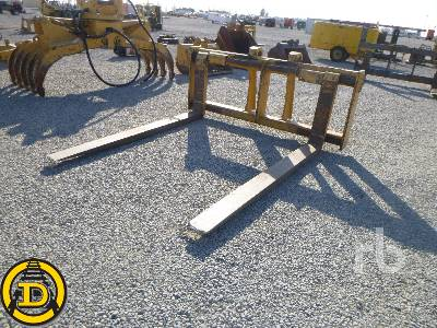 CATERPILLAR Q/C 94 In. Wheel Loader Forks