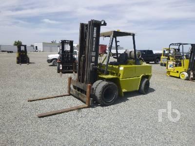 1984 CLARK C500YS100 6700 Lb Forklift