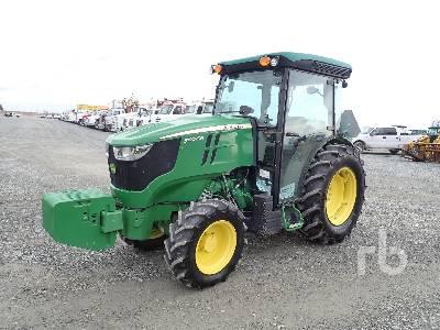 2017 JOHN DEERE 5100GN MFWD Tractor