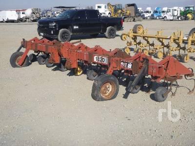 CASE IH 1820 8 Row Cultivator