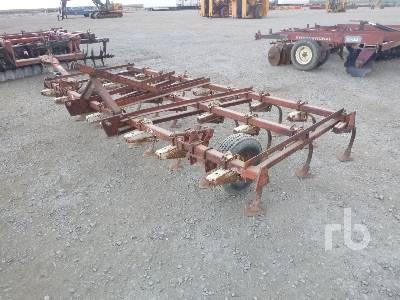 CASE IH 45 12 Ft Virbra Shank Cultivator