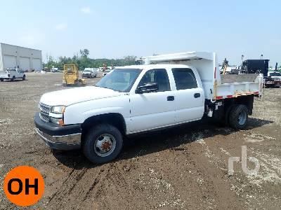 2005 CHEVROLET 3500 Crew Cab 4x4 Dump Truck (S/A)
