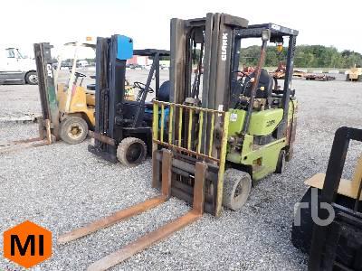 CLARK GCX40 6575 Lb Forklift