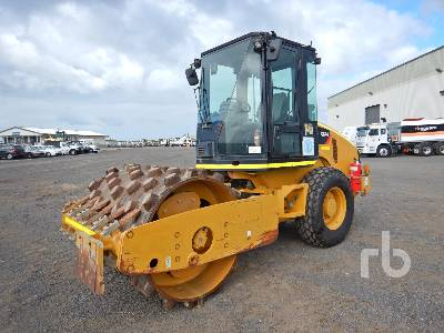 2012 CATERPILLAR CS44 Vibratory Roller