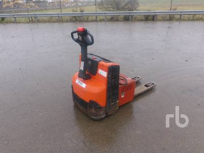 2013 BT TOYOTA LWE140 Electric Pallet Jack