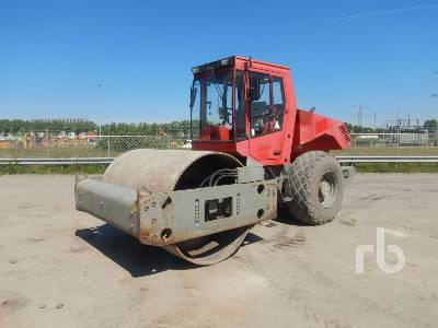 2001 BOMAG BW214 DH-3 Vibratory Roller