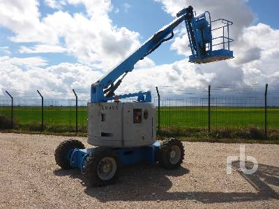 2004 GENIE Z34/22 4x4 Articulated Boom Lift