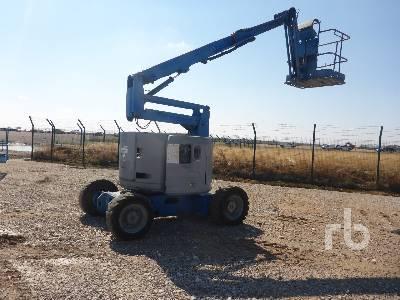 2001 GENIE Z34/22 4x4 Articulated Boom Lift