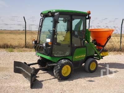 2005 JOHN DEERE SERIES II AUFSI Utility Tractor
