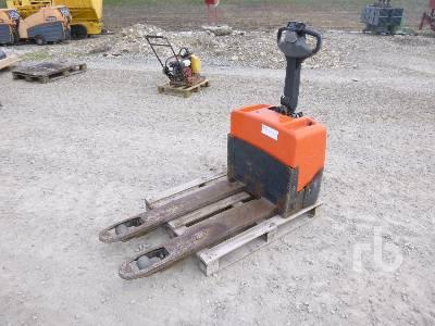 BT LWE130 Electric Forklift