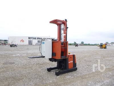 2002 BT OM 850 Kg Order Picker Electric Pallet Jack