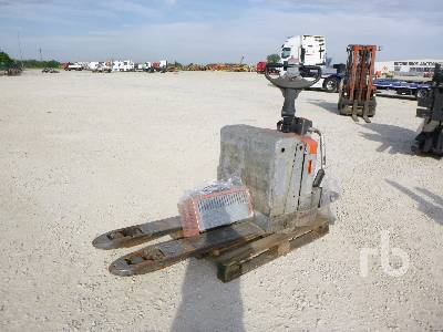 2012 BT LPE200/8 2000 Kg Electric Pallet Jack