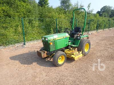 JOHN DEERE 855 4x4 Utility Tractor