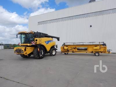 2010 NEW HOLLAND CR9070 Small Grain Combine
