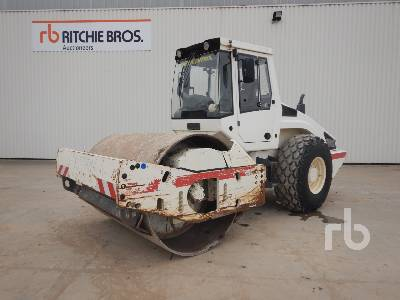 2008 BOMAG BW213DH-4 Vibratory Roller