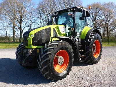 2014 CLAAS AXION 920 MFWD Tractor