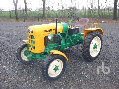 FAHR D130 2WD Antique Tractor