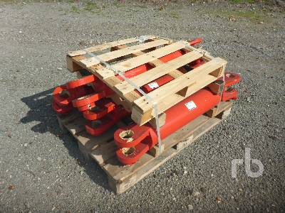NEW HOLLAND AGRICULTURE 4 Hydraulic Cylinders Parts/Stationary Trucks - Other