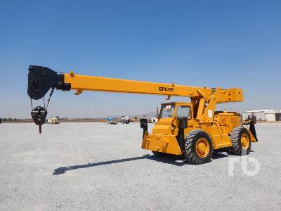 1975 GROVE RT58/58A 15 Ton 4x4x4 Rough Terrain Crane