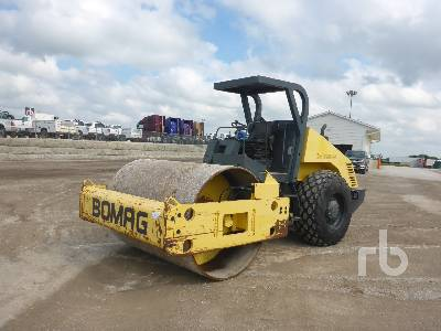 2001 BOMAG BW213PDH-3 Vibratory Padfoot Compactor