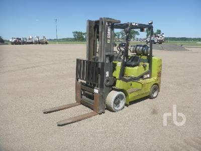 1997 CLARK CGC40 7400 Lb Forklift