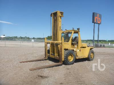 CATERPILLAR V300 30000 Lb Rough Terrain Forklift