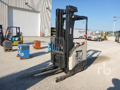 2005 CROWN RR5220-45 4500 Lb Electric Order Picker Electric Forklift