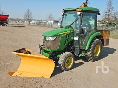 2018 JOHN DEERE 3046R MFWD Utility Tractor