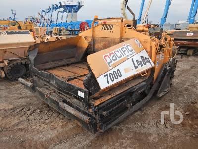 2004 LEEBOY L7000T Crawler Asphalt Paver