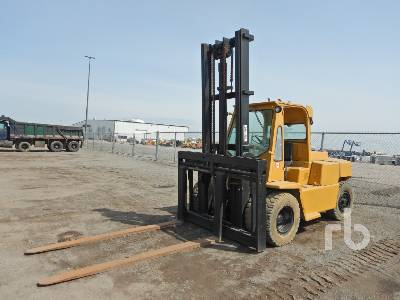 CLARK CY100 8800 Lb Forklift
