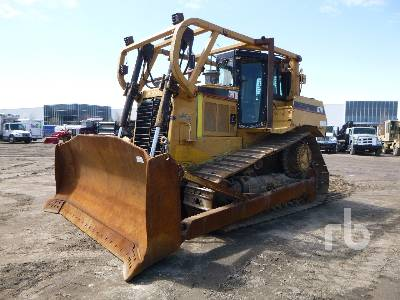 2004 CATERPILLAR D7R Series II Crawler Tractor