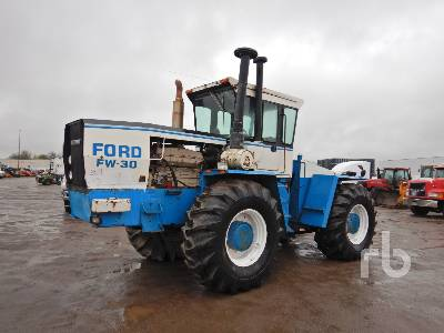 1982 FORD FW-30 4WD Tractor