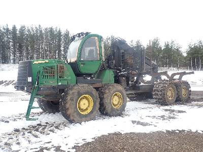 2012 JOHN DEERE 1910E 8x8 Clam Bunk Forwarder