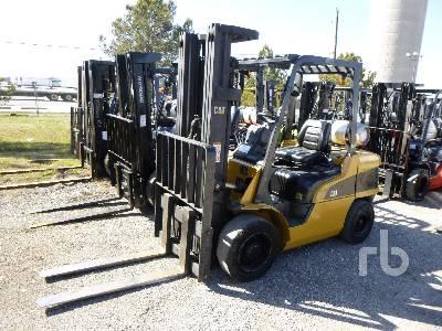 2004 CATERPILLAR P7000 7000 Lb Forklift