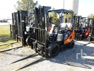 2016 DOOSAN G25E-5 5000 Lb Forklift