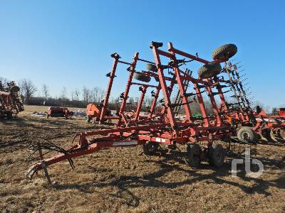 1996 CASE IH 5800/4300 30 Ft 3 Point Cultivator
