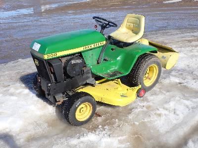 JOHN DEERE C300F Utility Tractor